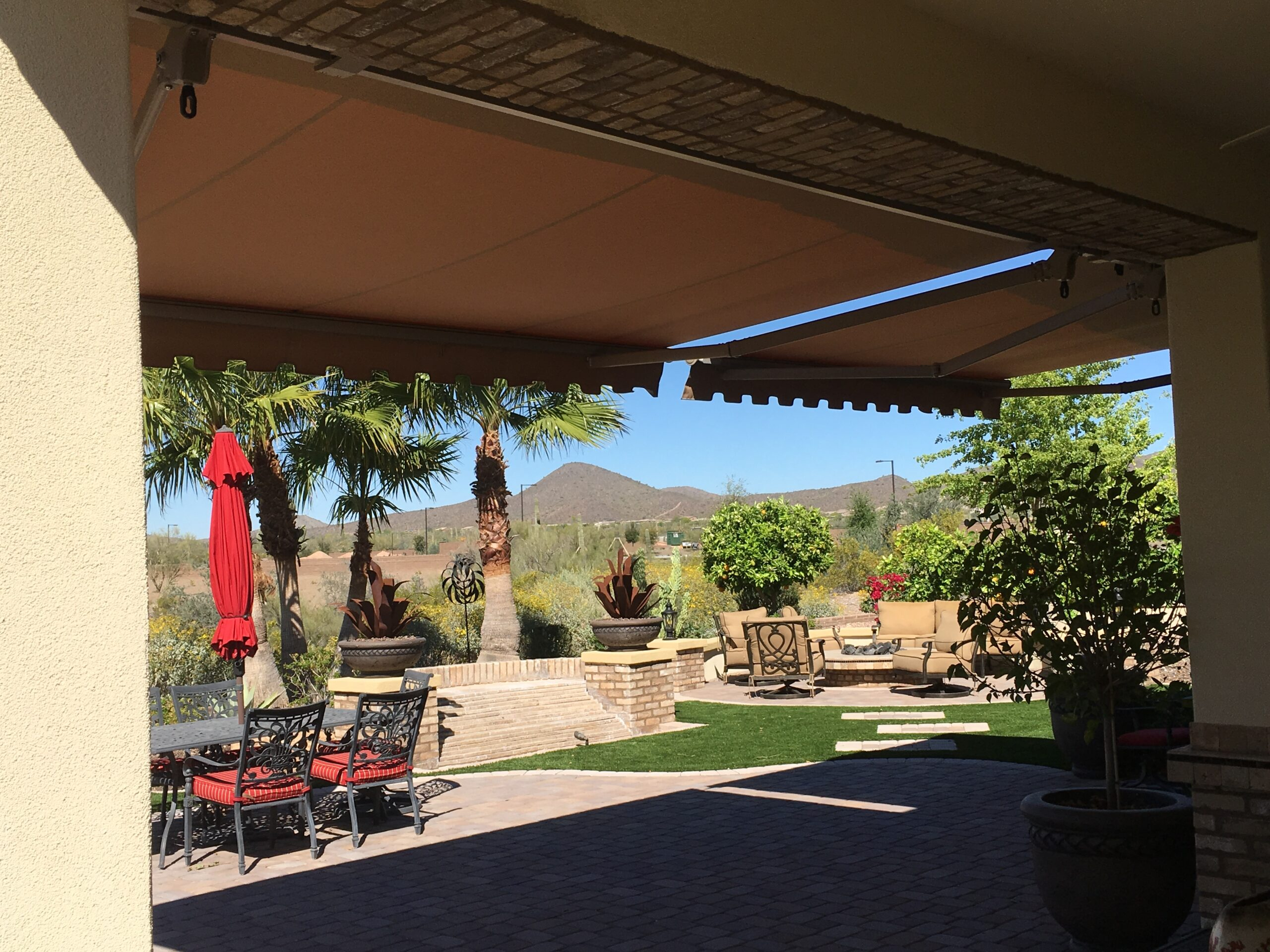 How to Pick the Right Retractable Awning
