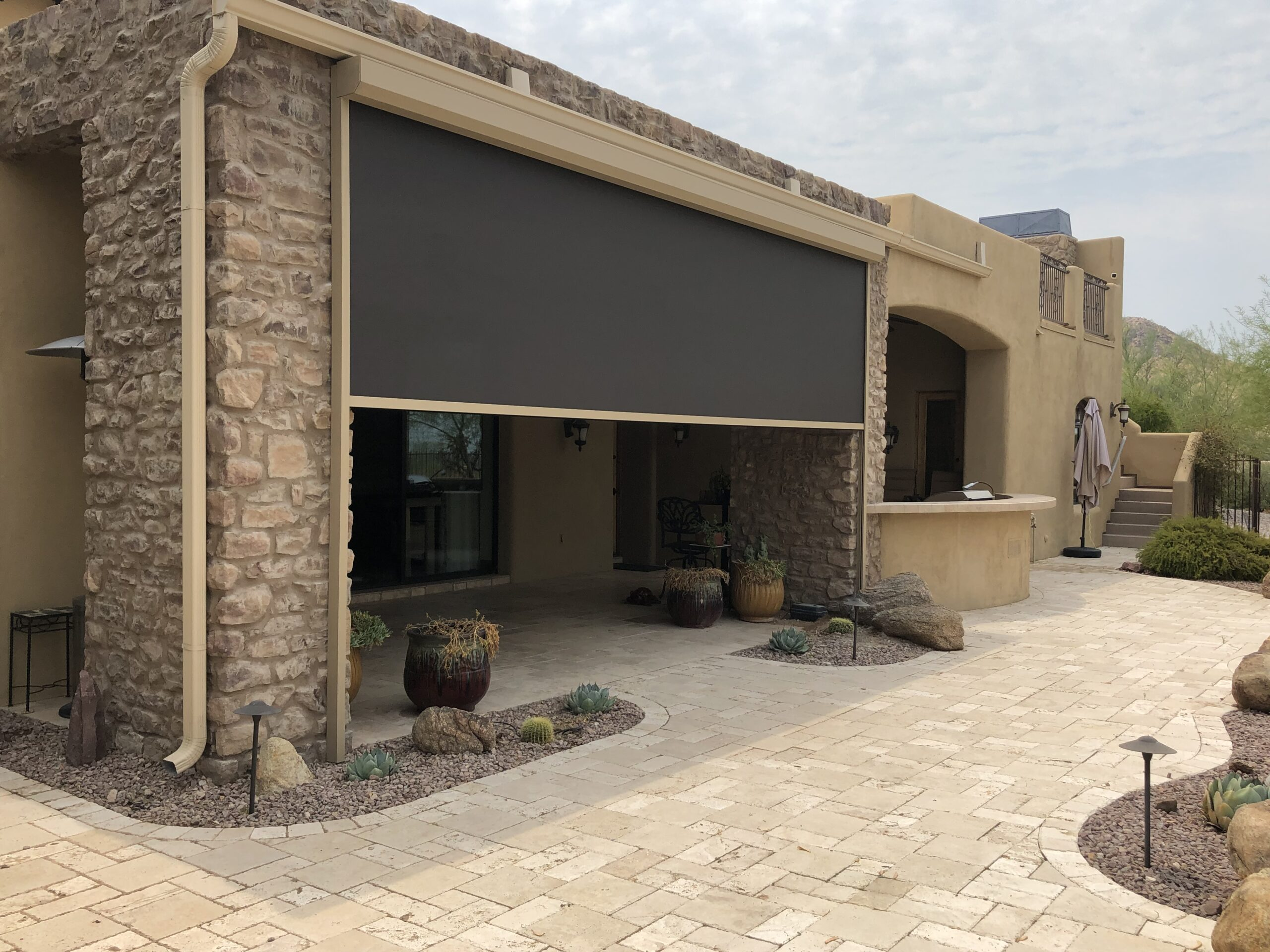 Do Retractable Screens Keeps Bugs Out?